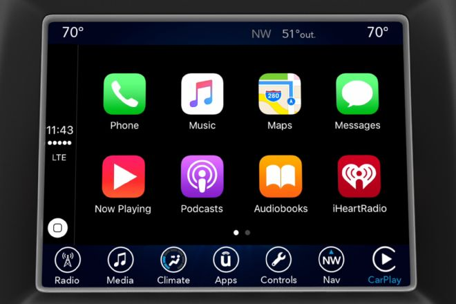 fiat-chrysler-uconnect-apple-carplay