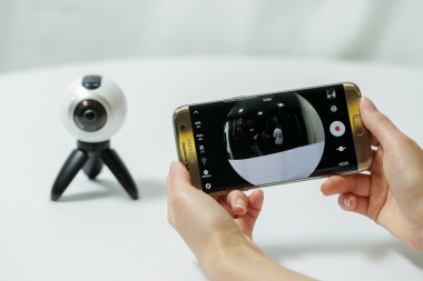 go-hands-on-with-the-gear360-and-see-how-it-change-how-we-capture-our-memories_24878548850_o