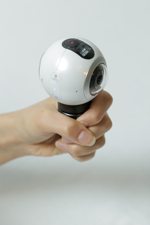 go-hands-on-with-the-gear360-and-see-how-it-change-how-we-capture-our-memories_24878554070_o