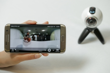 go-hands-on-with-the-gear360-and-see-how-it-change-how-we-capture-our-memories_25055915682_o