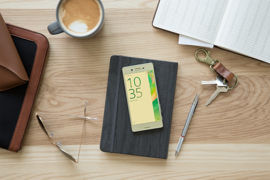 Xperia X in Lime Gold