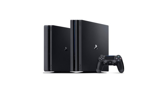 PS4 Slim (left) and PS4 Pro (right).