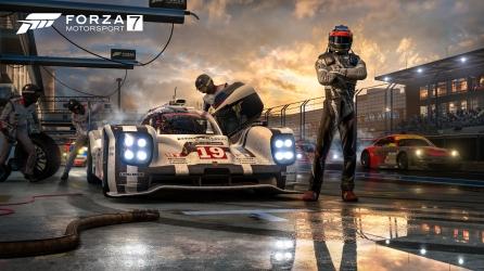 Forza 7 Pit Crew 4K