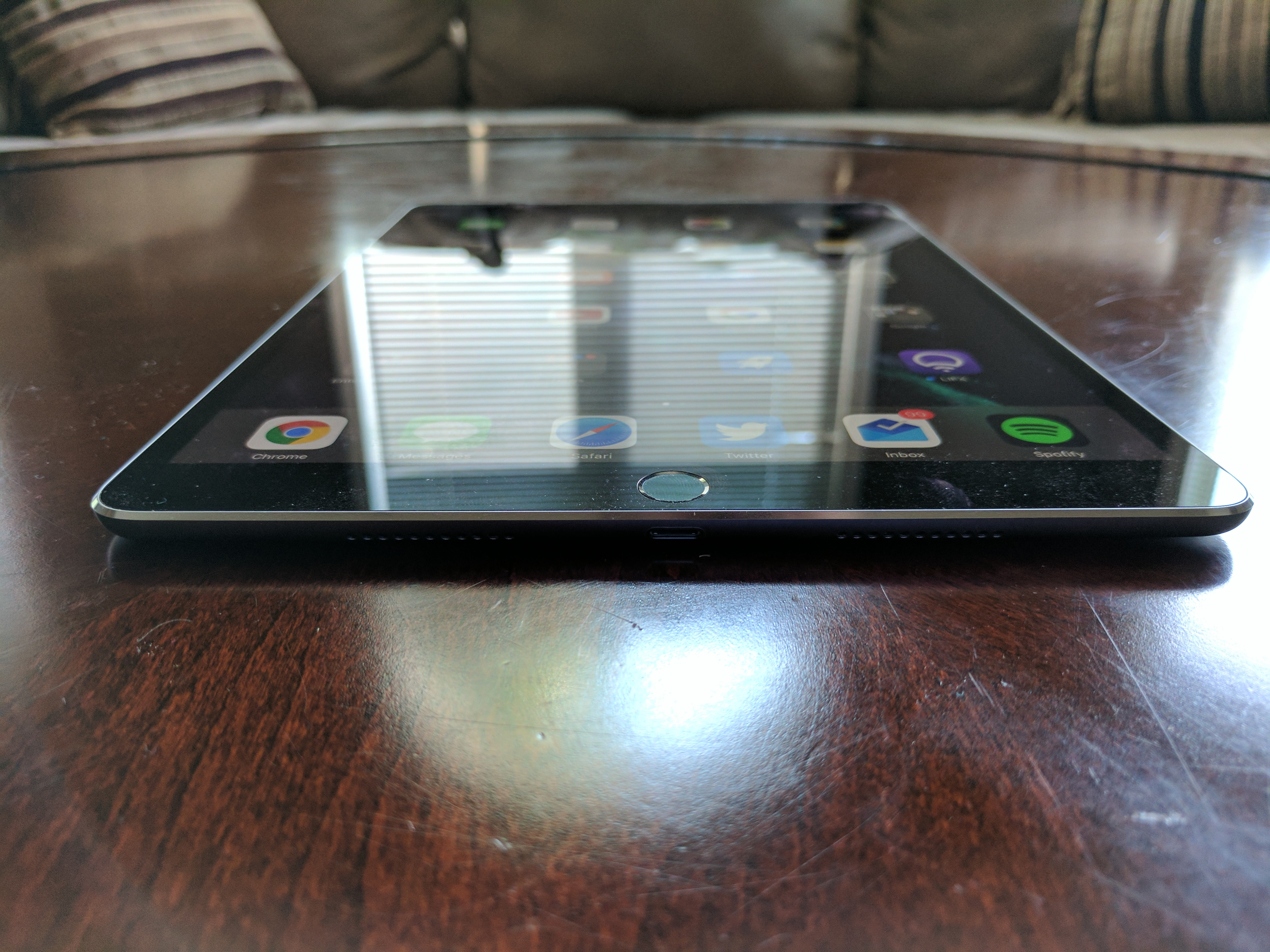 Ipad Pro 105 Review Apples Best Yet Thecanadiantechie 512gb New Tablet Silver Wifi Only In My 129 2015 I Talked About Some Of The Accessories Available For Two Pros Like Smart Cover Keyboard But Alongside