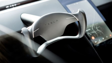 Tesla_Roadster_Steering_Wheel-web