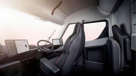 Tesla_Semi_Interior_Ingress-web