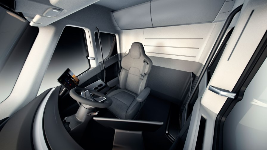 Tesla_Semi_Interior_Overview-web