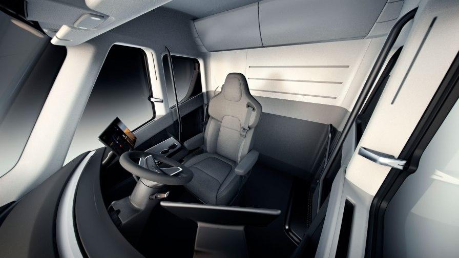 Tesla_Semi_Interior_Overview-web