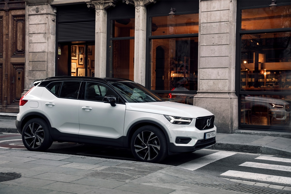 volvo debuts the 2019 xc40 r design at cias 2018 thecanadiantechie. Black Bedroom Furniture Sets. Home Design Ideas