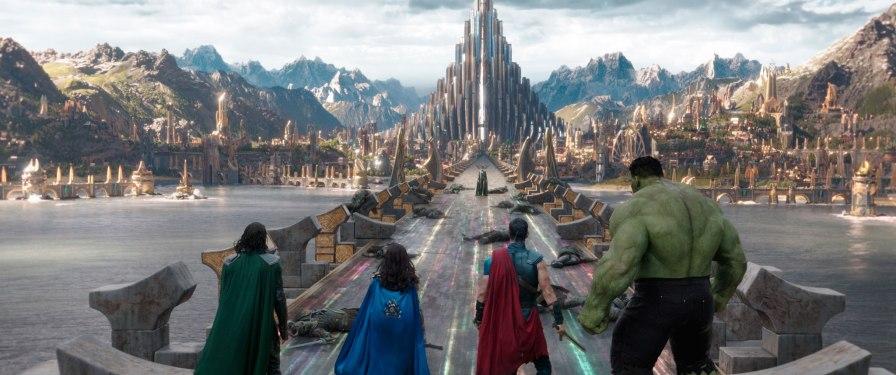 ThorRagnarok_22_Thor_Valkyrie_Hulk_Loki