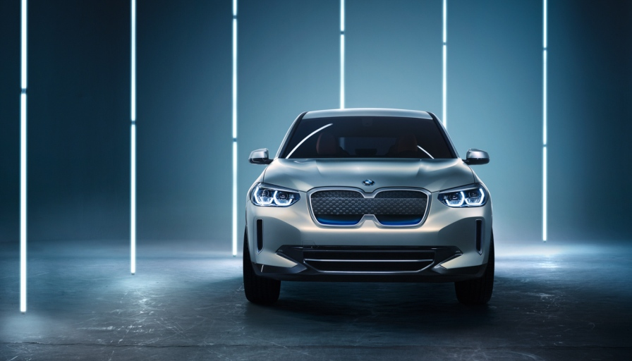 BMW-Concept_iX3_8