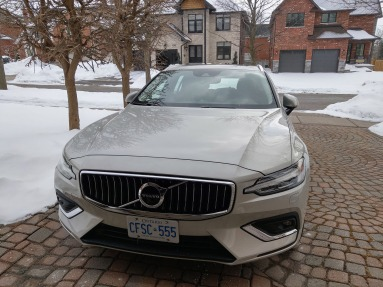 2019_Volvo_V60_Review_2