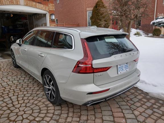 2019_Volvo_V60_Review_6