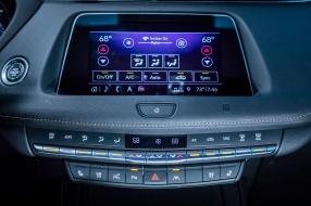 2019_Cadillac_XT4_Review_12